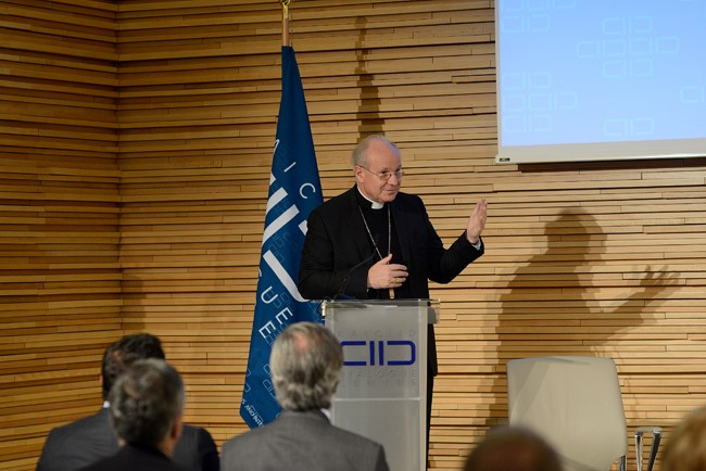 Cardinal Schoenborn, Archbishop of Vienna, speaks at the KAICIID Dialogue Centre on 19 November 2015. Photo: Daniel Shaked/KAICIID