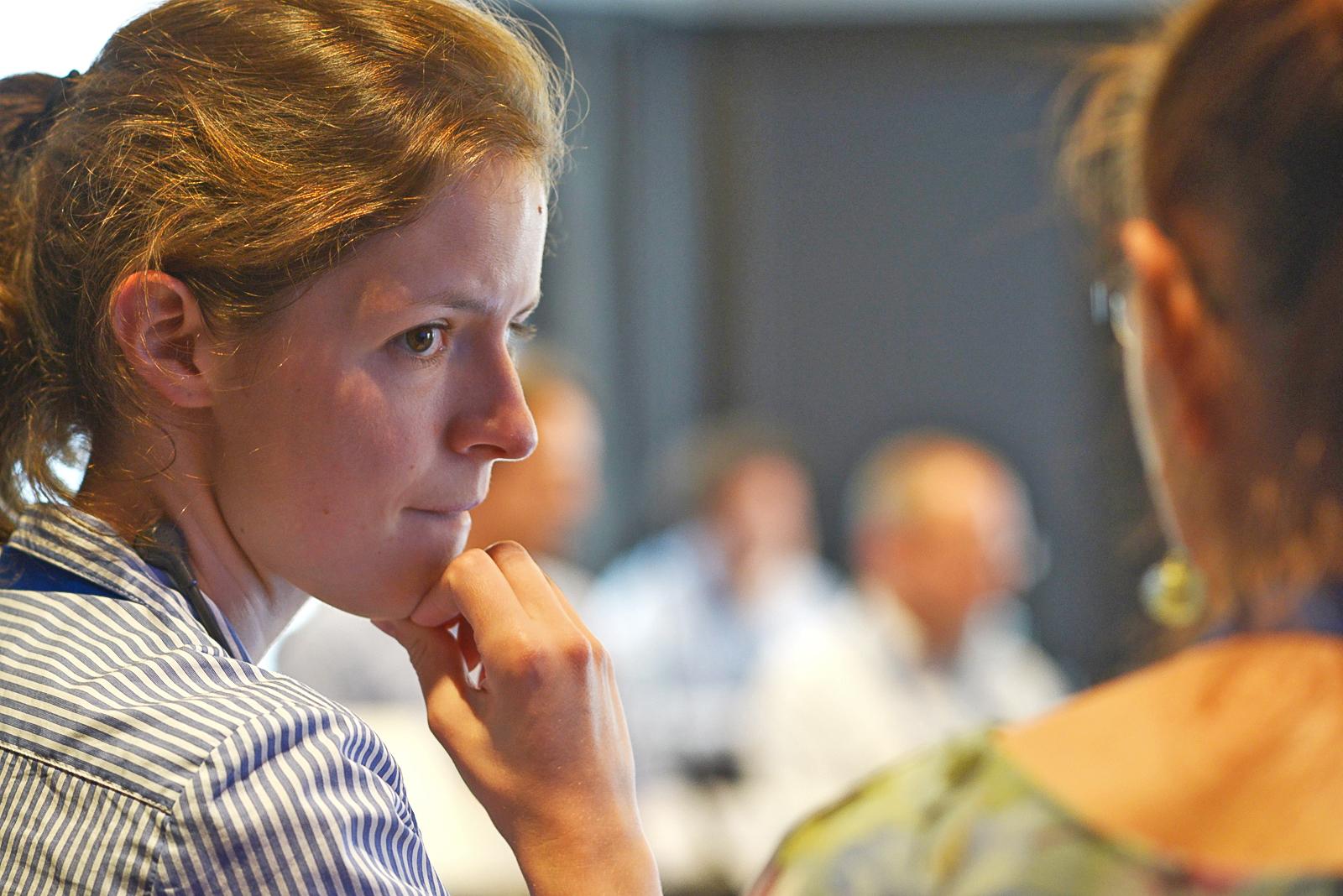 Frances Rose, Programm-Managerin für regionale Zusammenarbeit und Vernetzung bei KAICIID