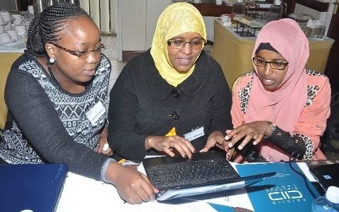 Speak Up training participants in Nairobi sharpen their social media skills