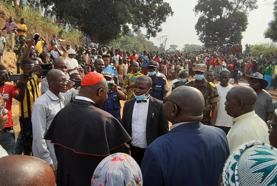 Reverend Nicolas Guerekoyame-Gbangou, Cardinal Dieudonné Nzapalainga and Imam Abdoulaye Ouasselogue meet with a crowd in Central African Republic
