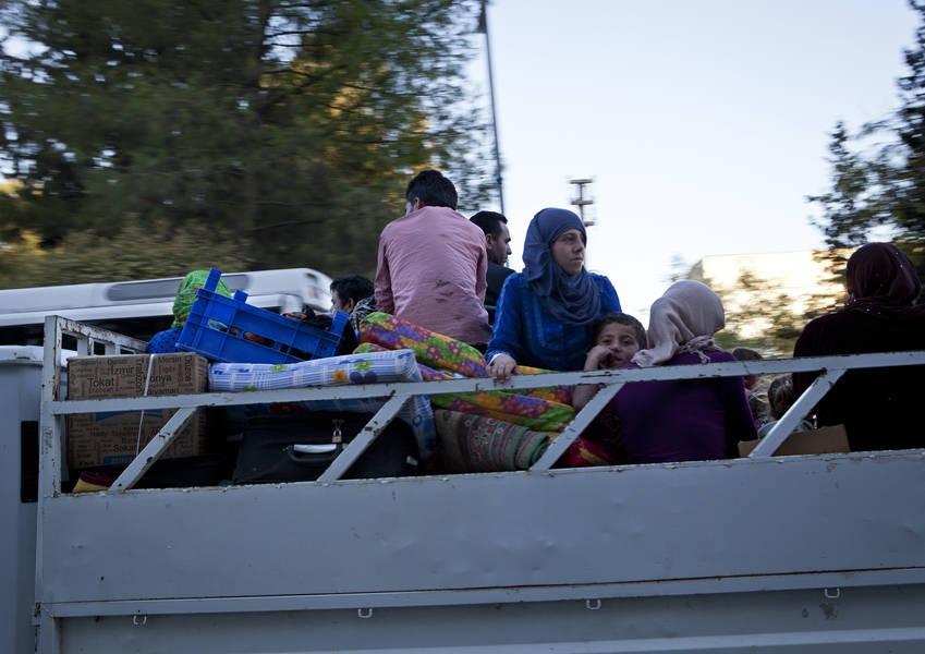Syrian Sunni refugees arriving in Suruc, Turkey. Photo: KAICIID