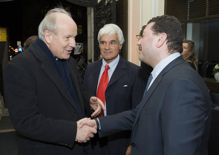 KAICIID Director General Greets Cardinal Schönborn