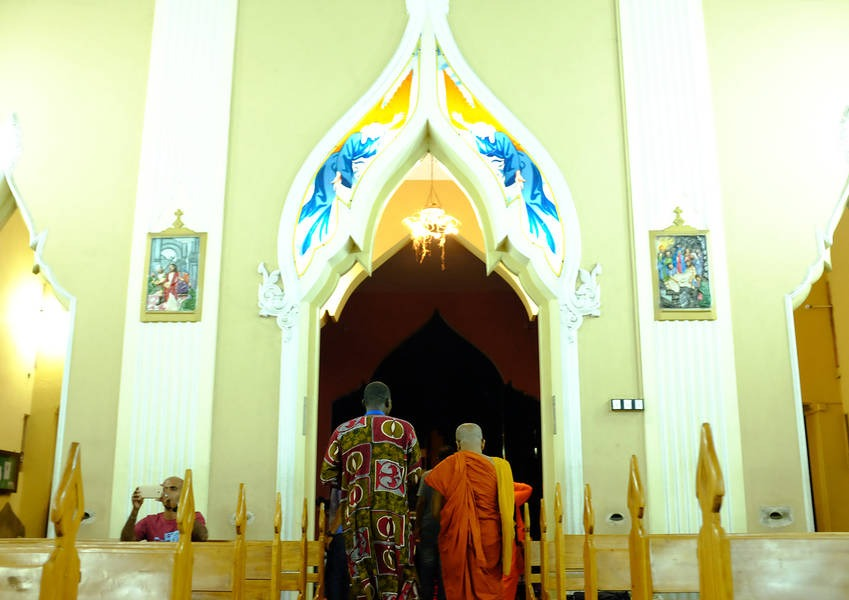 The tour also included a visit to St. Lawrence Church, a Roman Catholic church in Colombo.