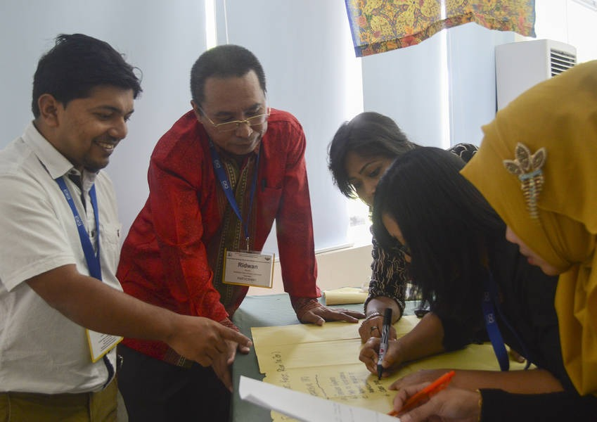 The Southeast Asia Fellows are drawn from seven different countries: India, Sri Lanka, Bangladesh, Myanmar, Indonesia, Philippines and Pakistan.