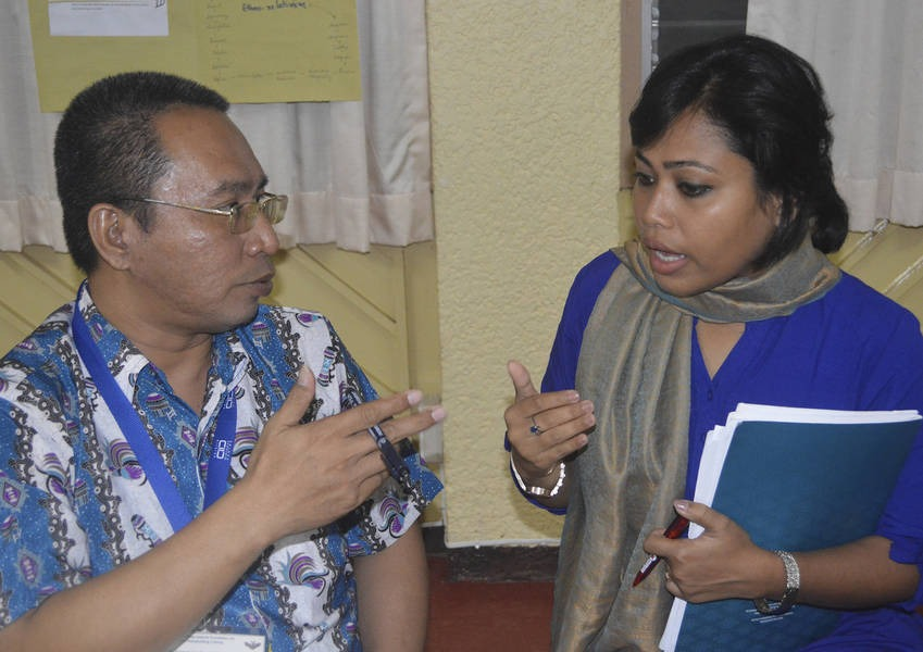 The Fellows training model encourages trainees to share experiences and insights on interreligious dialogue in their countries, which are too often beset by tension and conflict.