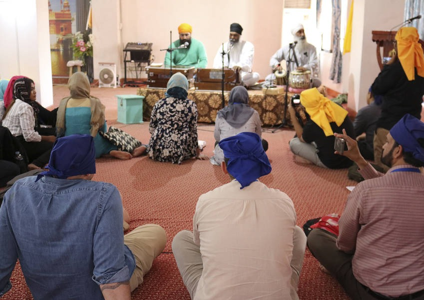 The training also included visits to religious sites from different religious traditions and the Fellows had the opportunity to meet with religious leaders who are currently working in peacebuilding in Mindanao.