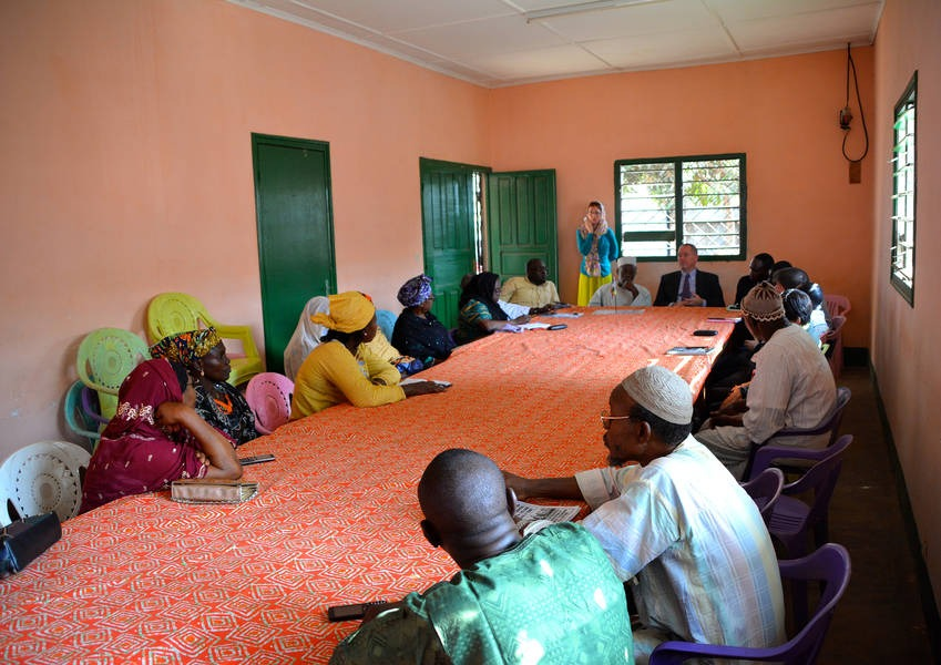KAICIID values female and youth representation in the peacebuilding process. We had a fruitful discussion with members of the Muslim Women's Association and the local community in the Central African Republic. Photo: KAICIID