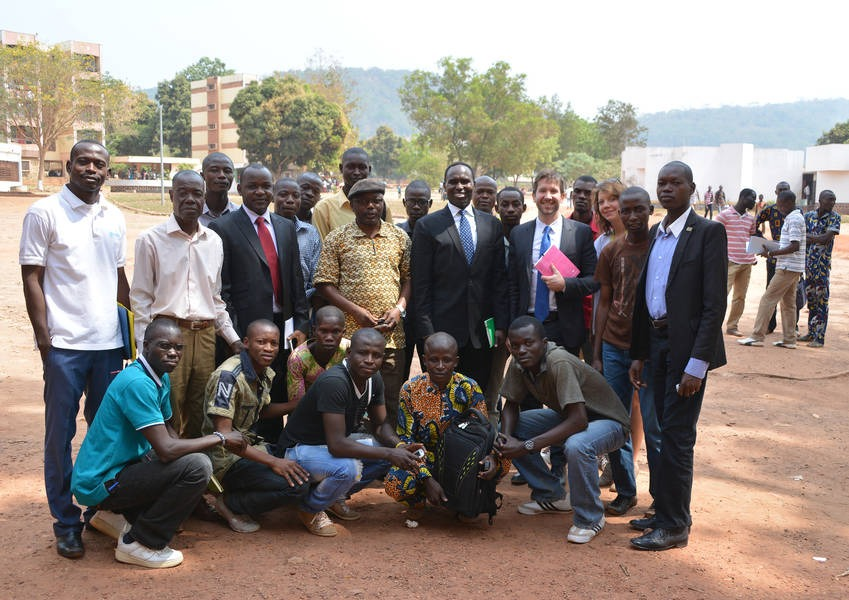 KAICIID and partners with students from the University of Bangui after a delivering a lecture on understanding differences and finding common values for the sake of social cohesion and living without conflict. Photo: KAICIID